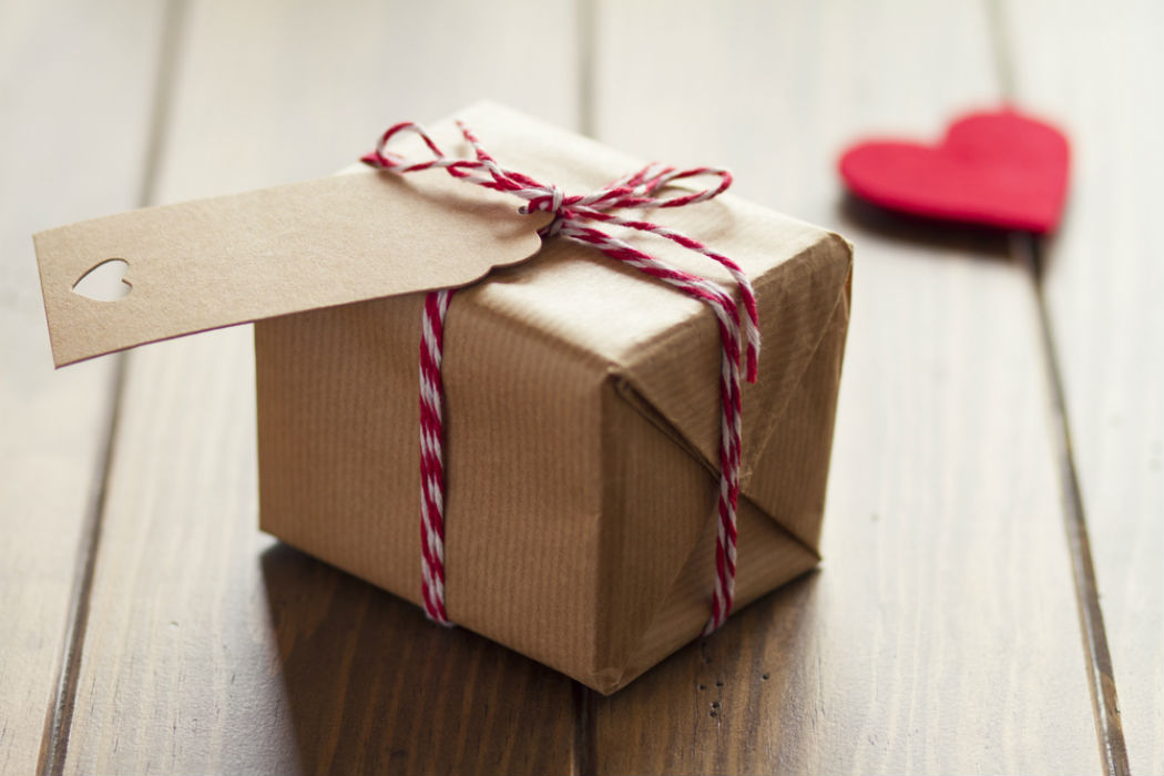 Encargado de envoltura de regalos capac tate para el empleo for Envolturas para regalos